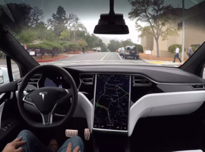 Musk lupasi liikoja? Tesla kehittää parannettua rautaa itsestään ajaviin autoihin