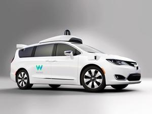 Googlen kuskittomia autoja vaivaa pelko – Eivät uskalla kääntyä vasemmalle