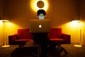 Internet freedom activist Aaron Swartz commits suicide