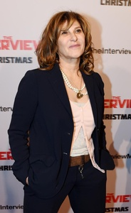 Amy Pascal steps down from Sony Pictures following email firestorm in wake of cyber attack