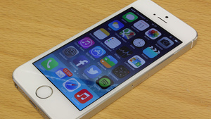 Walmart slashes price of iPhone 5S