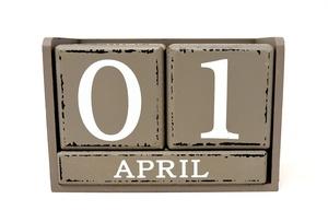 Aprillipiloista on hyötyäkin: Tekoäly oppii niiden avulla erottamaan valeuutisia