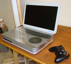 Ben Heck shows gorgeous portable Xbox 360 slim laptop