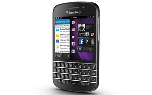 BlackBerry Q10 goes up for sale in UK