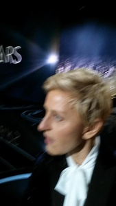 Nokia mocks Ellen's blurry Oscars selfies taken with Galaxy Note 3