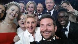 Ellen's star-powered Oscars selfie nears 3 million retweets, smashes record