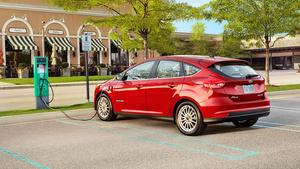 Fordin ennuste – Itsestään ajavat autot kestävät vain neljä vuotta