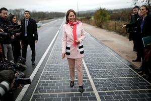 Ranskassa avattiin maailman ensimmäinen aurinkoenergiaa keräävä tie