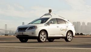 Google julkaisi ensimmäisen kuukausiraportin itsestään ajavista autoistaan