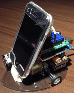iPhone ohjaa robottia