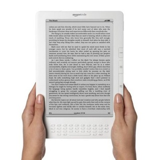 Amazon markets new Kindle DX for electronic textbooks