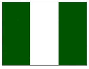 Nigerialaishuijarit telkien taakse