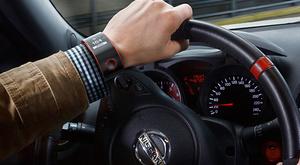Älykello yhdistää käyttäjän autoon