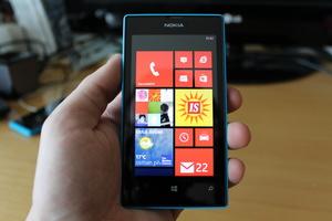 Arvostelussa Nokia Lumia 520: Millaisen Lumian saa reippaalla satasella?