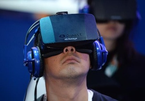 Oculus to sell its Rift VR headset 'at cost'