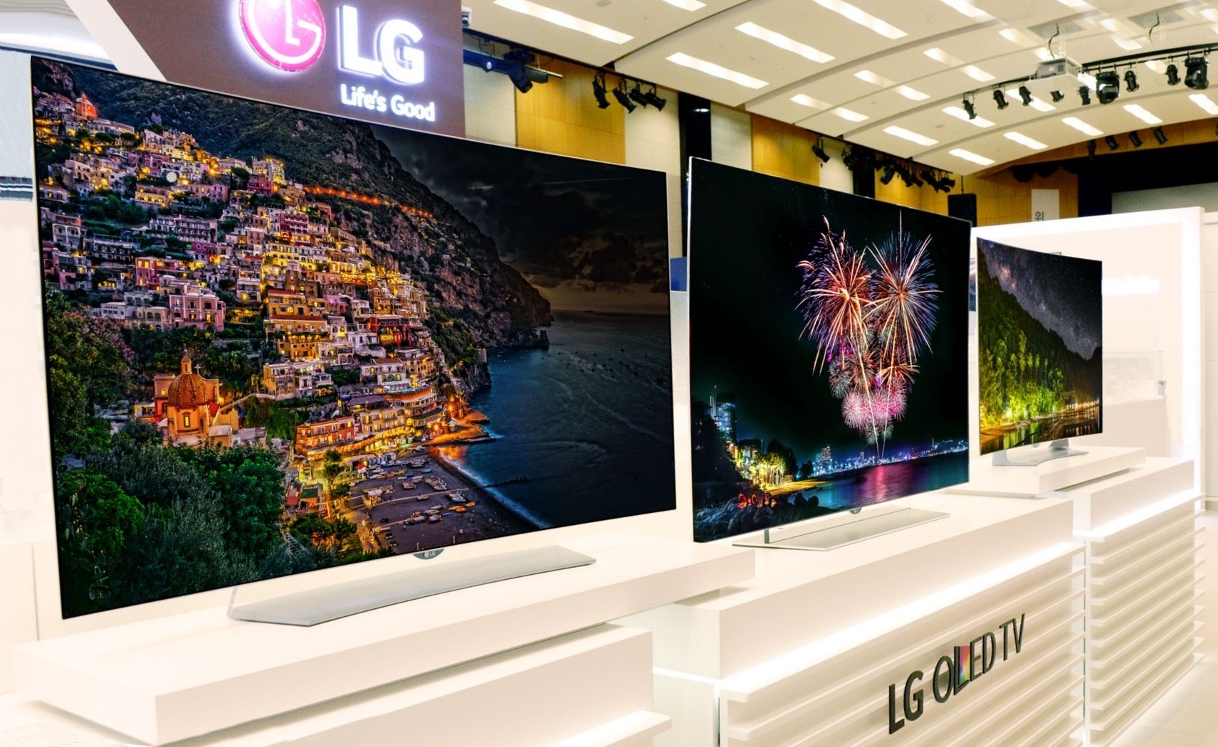 LG invests big in OLED; will show off four new 4K and ...