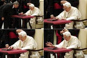 Pope Benedict XVI posts first Tweets