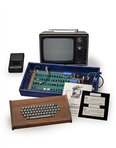 Apple-1 sold by Steve Jobs fetches $365k at auction