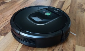 Screaming Roomba realized: Robot Vacuum curses every time it hits an obstacle