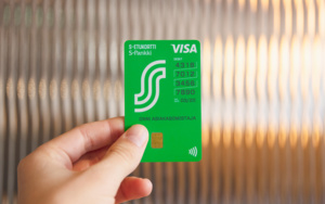Finnish bank introduces portrait bank cards