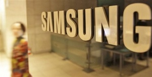 Bloomberg: Samsung building smartwatch to once again beat Apple to the punch