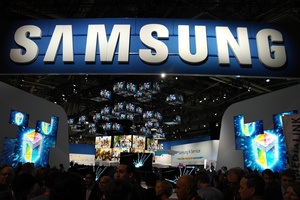 Samsung follows Apple with declining profits of its own