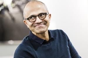 Microsoftin toimitusjohtaja otti ensimmäistä kertaa sitten Bill Gatesin myös hallituksen puheenjohtajan paikan
