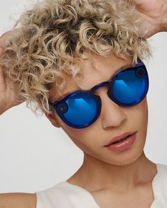 Snap esitteli uuden version kameralla varustetuista Spectacles-aurinkolaseista