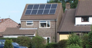 Saksa on aurinkovoiman edelläkävijä - jo puolet energiasta paneeleilla