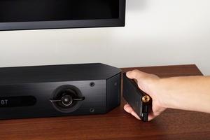 Walkman elää ja potkii: Sony esitteli yli tuhannen euron musiikkisoittimen