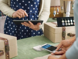 Square's new mobile readers support chip cards and Apple Pay