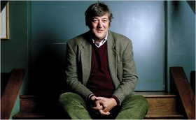 Stephen Fry defends non-commercial piracy