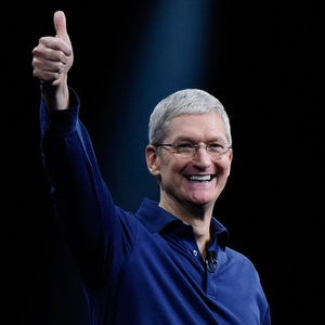 "Apple CEO after Trump victory: ""Let's move forward -- together!"""