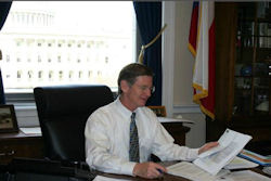 Congressman burns Google over anti-piracy act opposition