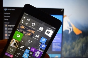 Leaked Windows 10 for mobile build shows updates to Live Tiles